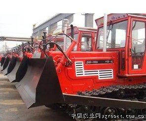 东方红1002系列履带拖拉机是中等