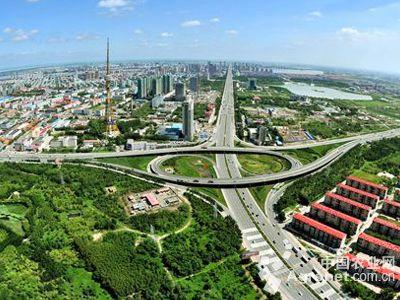 去年6月,大庆市在时代广场,城市森林,黎明湖公园,滨洲湖公园,三永湖