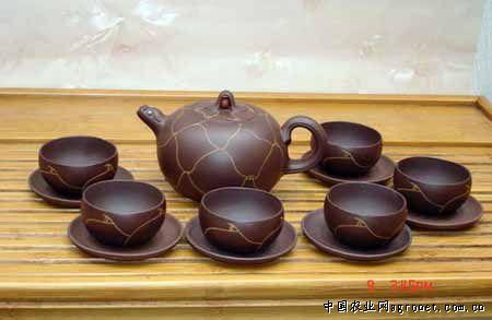 """""""相传从前有一位老茶人,每晚都要用孟臣冲罐泡饮功夫茶喝方能入睡."""